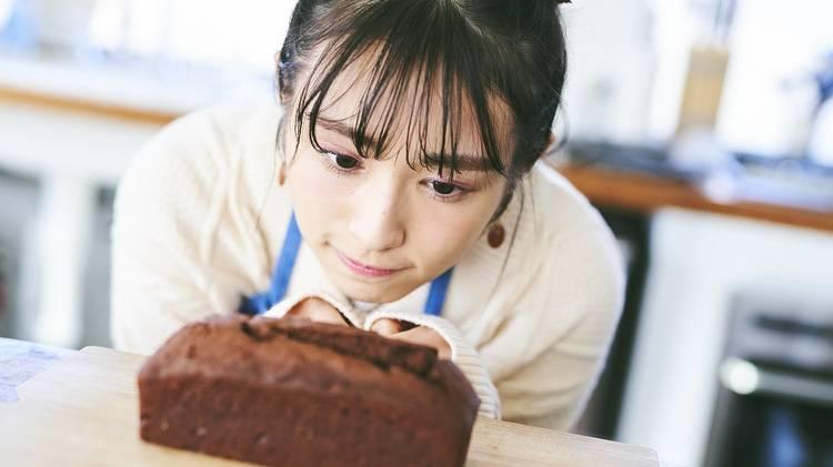 渡辺梨加が大好きなチョコでパウンドケーキを作ってみた!