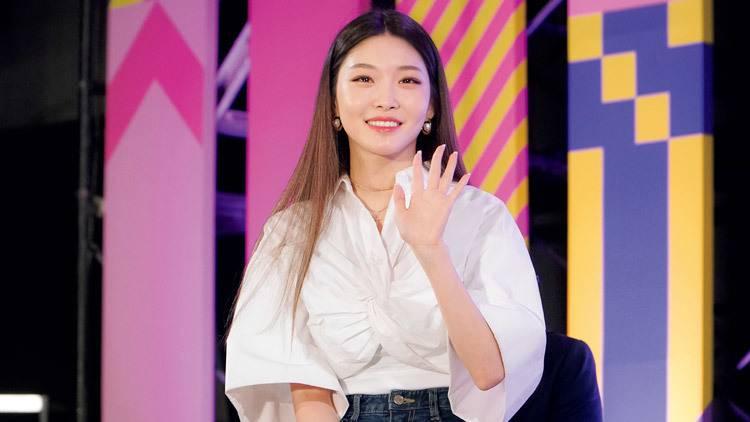 元I.O.I【CHUNG HA】にインタビュー!彼女が日本で目指すものとは?