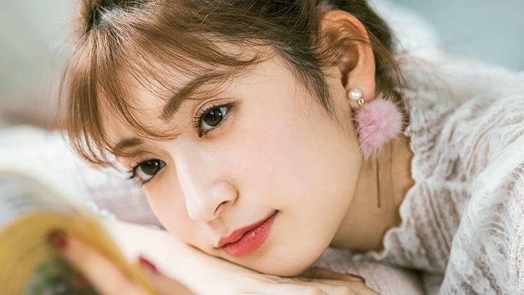 吉田朱里が「恋する女子大生」に変身!〜アカリンの妄想恋愛物語〜