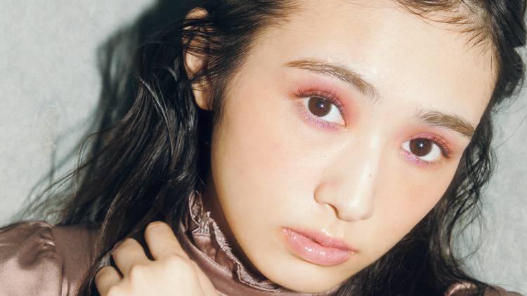 渡辺梨加がトレンドのバイカラーアイに挑戦!華やかピンクメイクの作り方♡
