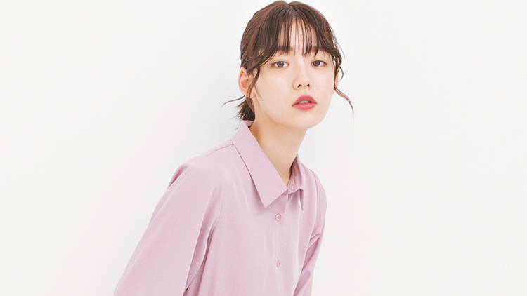 オルチャン風「ゆるシャツ×台形ミニ」で男子の目線を奪う♡モテコーデ4選