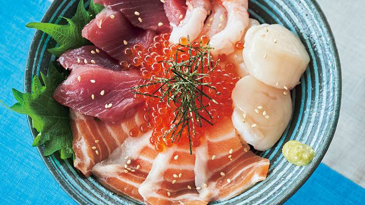 まるで海の宝石箱♡暑〜い夏にさっぱり美味しい「海鮮丼」レシピ