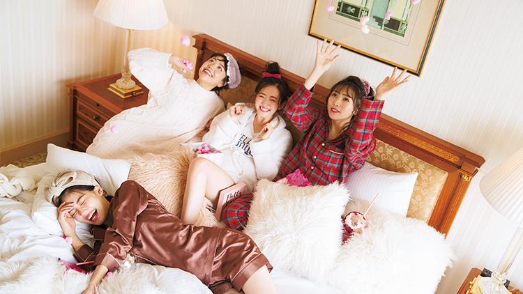 【パジャマ女子会】インスタ映え確実♡クリスマスパーティーで使える部屋着コーデ
