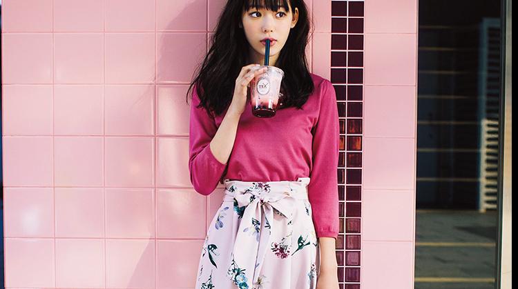 「花柄ひざ丈フレアースカート」の着回しでつくる♡ 女子大生の通学コーデ