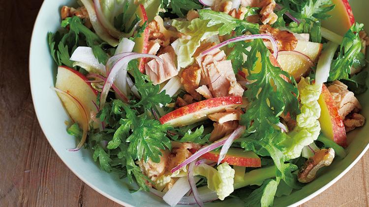 【ダイエットレシピ】低糖質なのに超満腹!りんごとツナで作る美肌サラダ