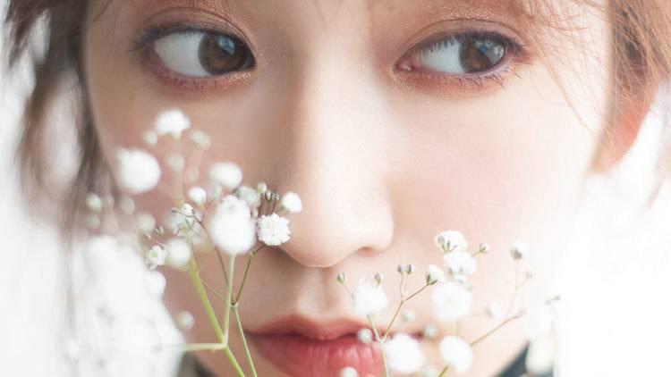 吉田朱里みたいな華やか美人になれる♡秋のきらめきメイクの作り方