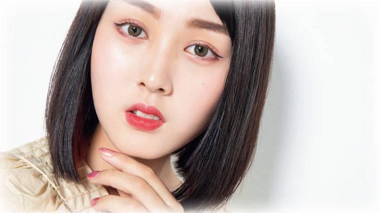 中国風メイクで話題♡美人YouTuber「鹿の間」のコスメポーチをのぞき見♡