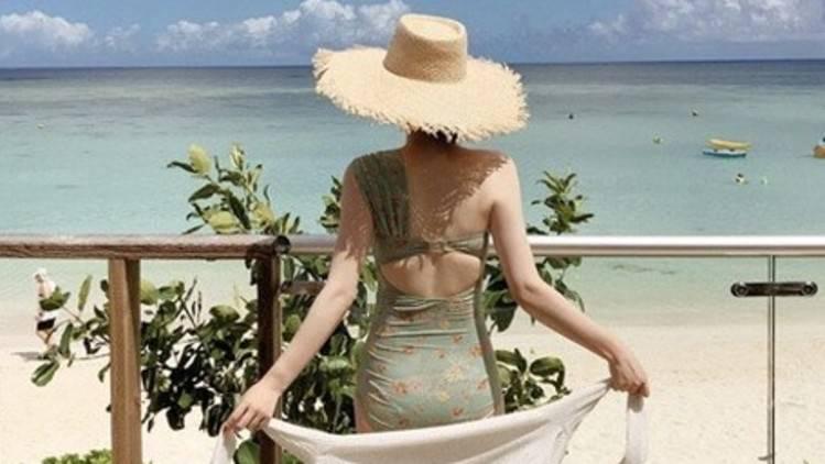 【水着2019】みんなが今年買った水着は?水着で「胸を盛る」時どうしてる??