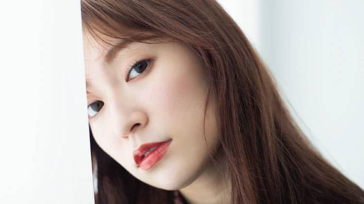 【2019秋リップ】いつもの赤にブラウンをプラス♡女っぽ唇の作り方