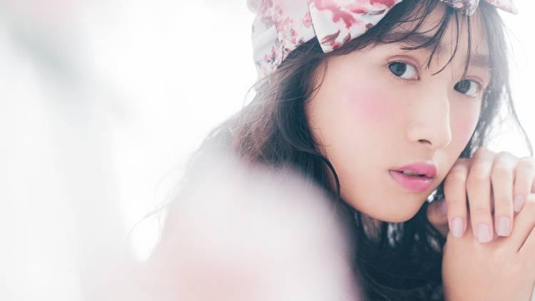 渡辺梨加みたいな「桃白肌」になりたい♡魔法の美肌見えメイク