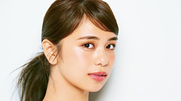 【E-girls・Flower・モデル】リアルバービーな美女・佐藤晴美の溺愛コスメ4選
