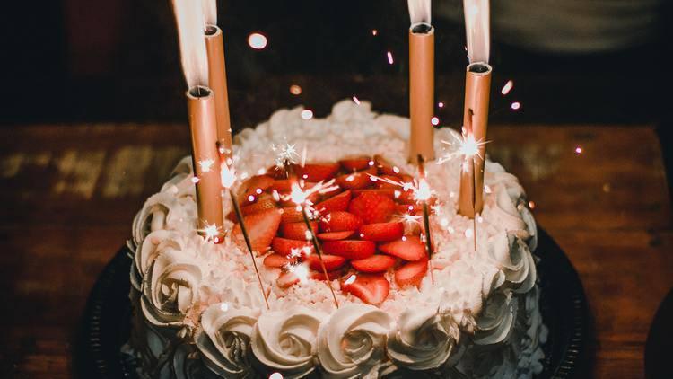 友達の誕生日どう祝う??会えない時のお祝い方法&プレゼント♡