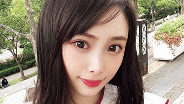 【NMB48】17歳になった最強美少女♡ 梅山恋和がお気に入りコスメを紹介!