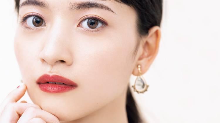 乃木坂46 金川紗耶がお手本♡ ボルドーラインで作る「愛されタレ目」メイク