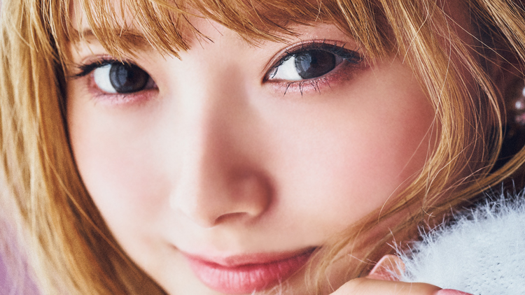 令和のギャル歌姫が大変身!「安斉かれん」のあざと可愛いモテメイク♡