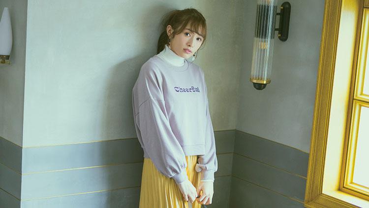 櫻坂46・渡辺梨加がお手本♡ この春映える《サテンスカート》を3days着回し!