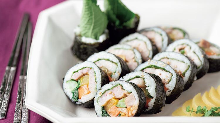 【韓国レシピ】肉も野菜も一度にとれる優秀メニュー!サムギョプサルキンパの作り方♡